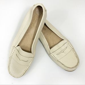 Aerosoles Off White Penny Loafer Size 8 NWOT